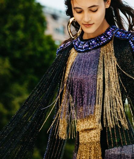 Balmain Haute Couture Fall 2020: Show trực tuyến trên dòng sông Seine