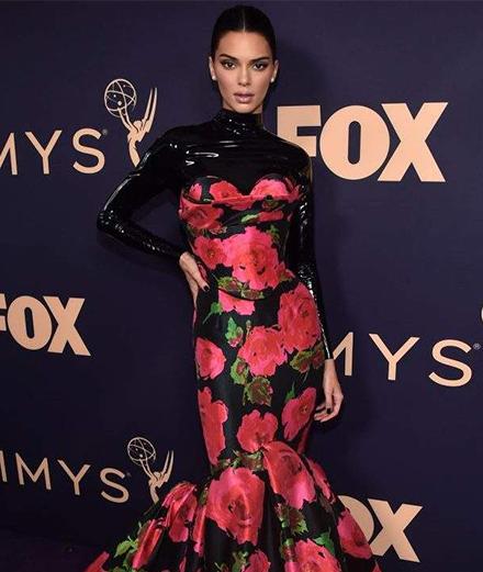 Những bộ cánh đẹp nhất thảm tím Emmy Awards 2019