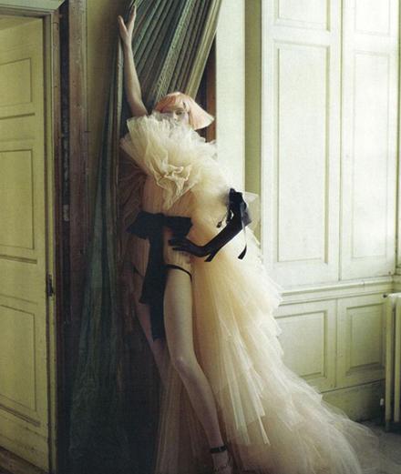 Thế giới thời trang ma lực của Tim Walker