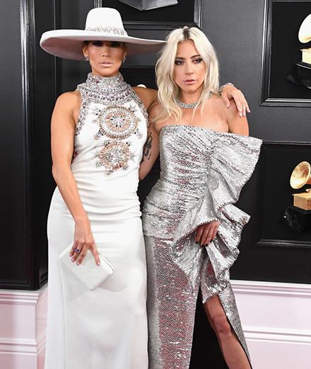 Những bộ cánh ấn tượng của các ngôi sao hàng đầu tại lễ trao giải Grammys 2019