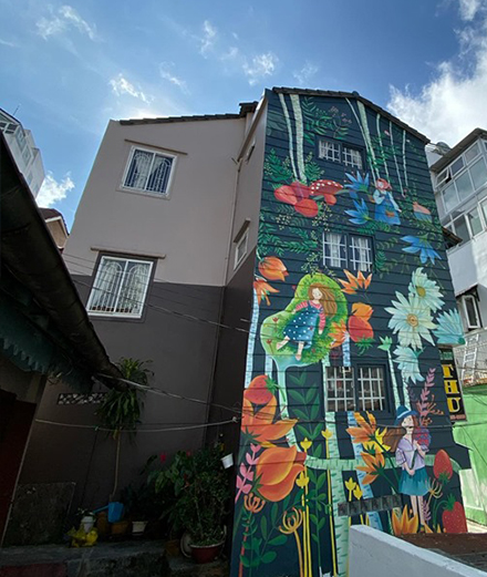Phố bên đồi đưa nghệ thuật tranh tường vào hẻm Đà Lạt