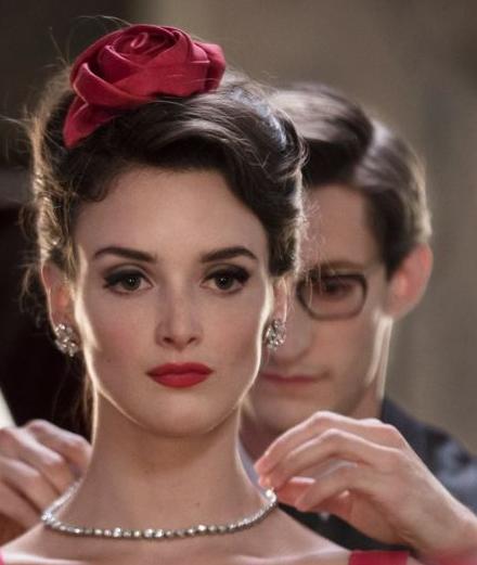 6 bộ phim về thời trang trên kênh Netflix bạn nên xem