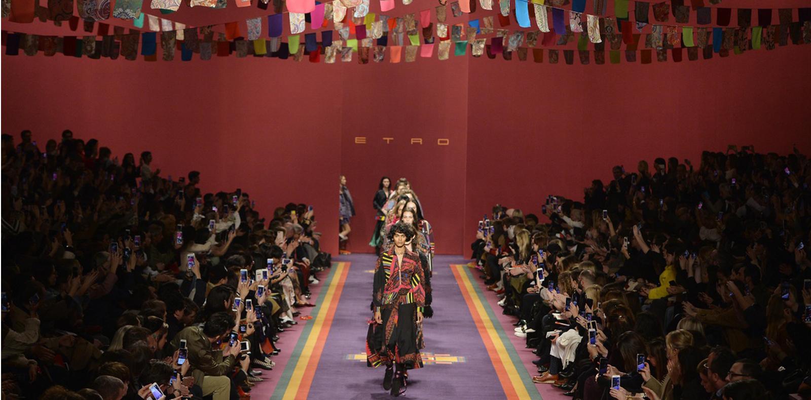 Những show diễn dàn dựng đẹp nhất Fashion Week Fall/Winter 2017-2018