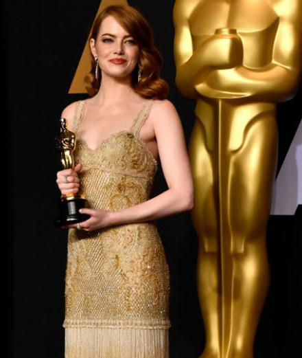 Trang phục đẹp nhất của Emma Stone ngôi sao Oscar 2017