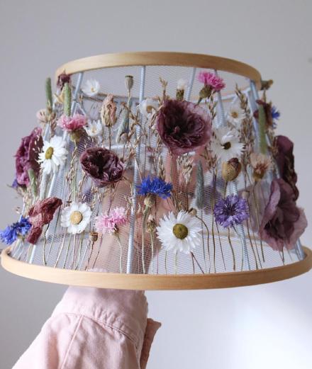 Nghệ thuật thêu, dệt hoa khô kiểu mới