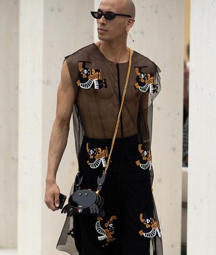 Bước ngoặt phi giới tính của tương lai thời trang