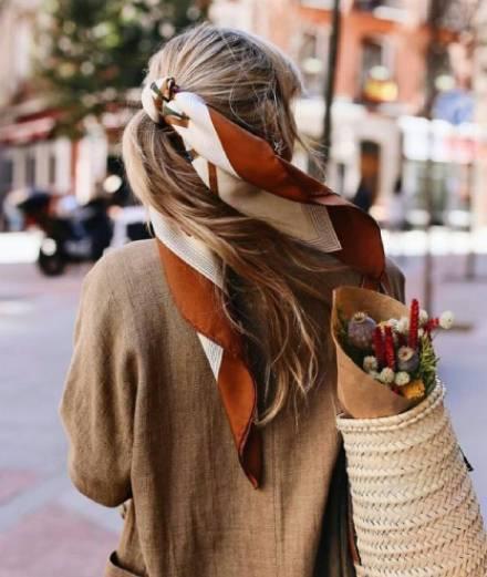 Xu hướng xuân: 4 cách trang trí tóc bằng khăn cho nàng